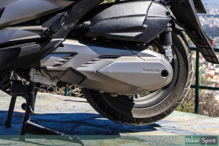 Kawasaki_J300_008