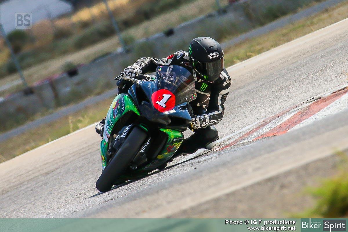 Σάκης Συνιώρης στα Μέγαρα στον 4ο αγώνα του 2015 με Yamaha R1