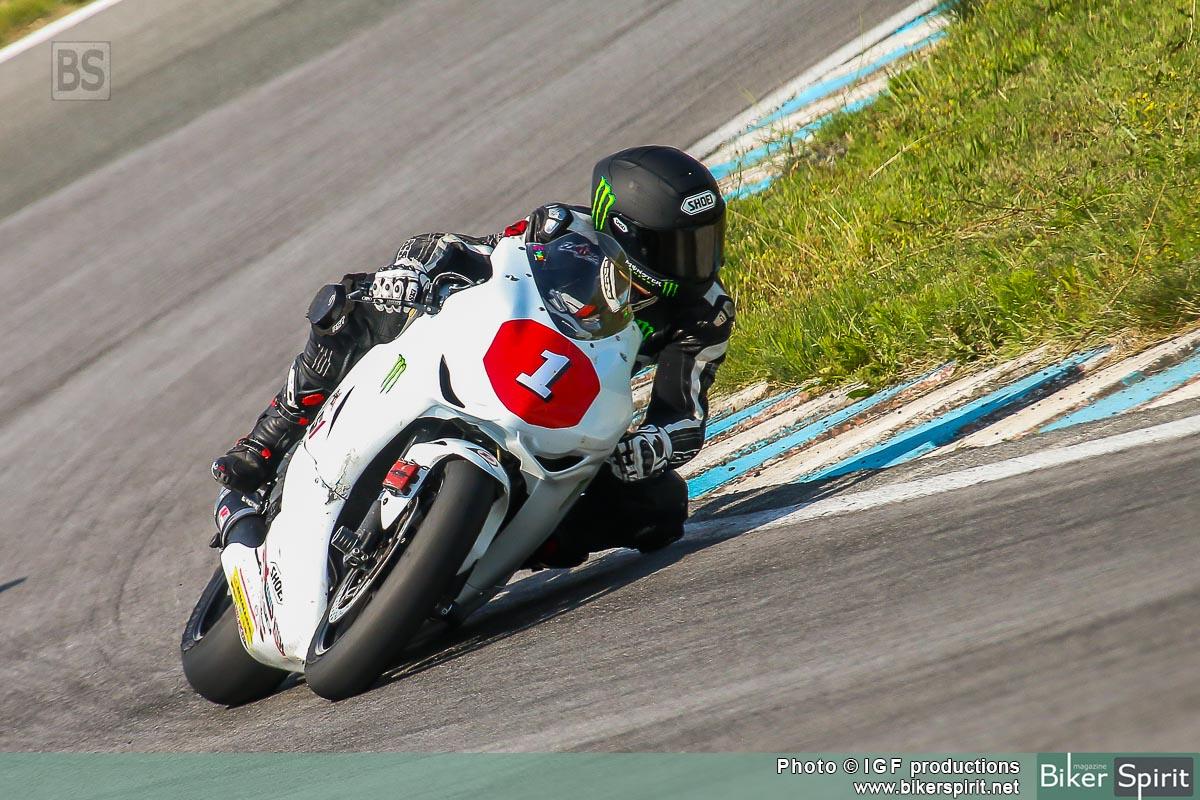 Σάκης Συνιώρης στις Σέρρες στον 3ο αγώνα του 2015 με Honda CBR 1000