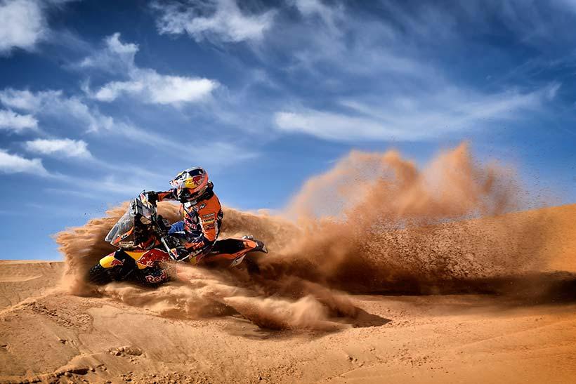 Ο Walkner οδηγεί στην άμμο του Μαρόκο προς τον πρώτο του τίτλο Rally πάνω στην KTM 450 RALLY