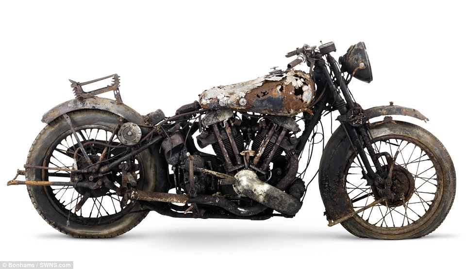 2F5D281B00000578-3359441-1938_Brough_Superior_982cc_SS100_Project_one_of_the_highly_sough-m-63_1450120036074