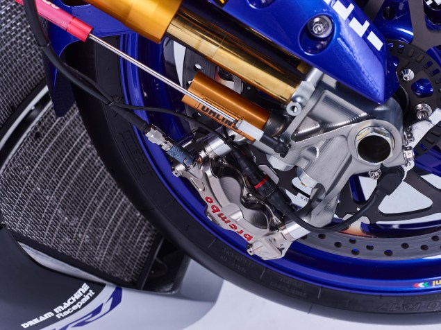 2016-Yamaha-YZF-R1-World-Superbike-30