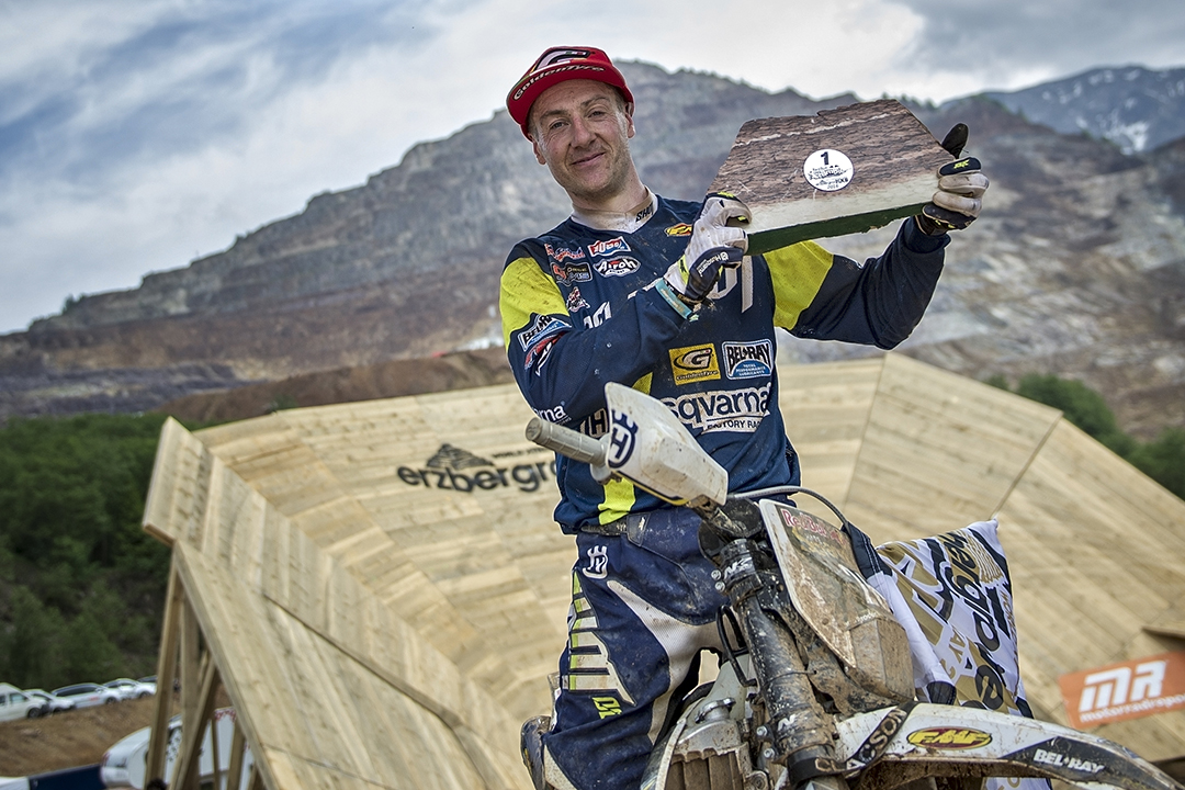 Graham Jarvis of the United Kingdom celebrates at the Red Bull Hare Scramble, Eisenerz, Austria on May 29, 2016 // Sebastian Marko/Red Bull Content Pool // P-20160529-01369 // Usage for editorial use only // Please go to www.redbullcontentpool.com for further information. //